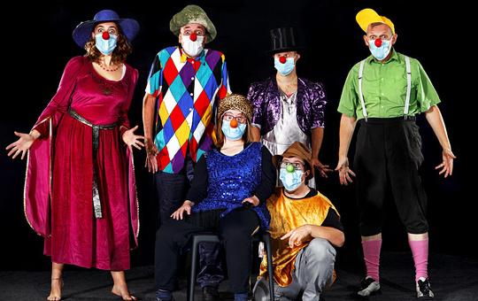 Clownensemble des Theaters Augenblick.