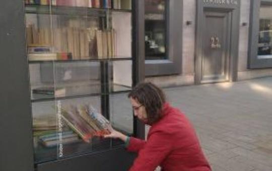 Die Bücher der LWB im Bücherschrank