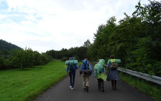 Pfafinderinnen unterwegs mit Rucksack