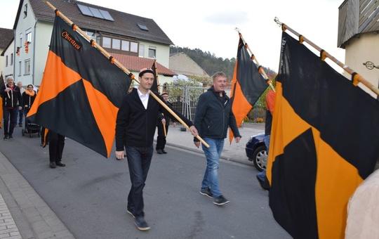 Fahnenabordnung von Kolping in Hollstadt