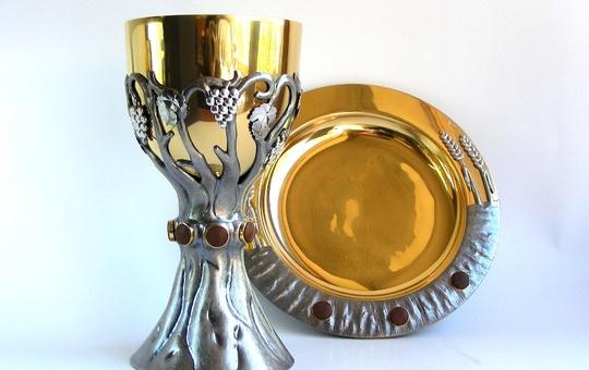 Kelch und Patene aus der Gold- und Silberschmiede Münsterschwarzach