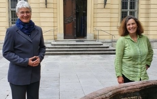 Schwester Katharina Ganz und Kerstin Celina (MdL)
