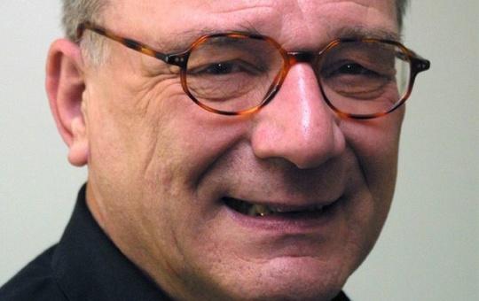Professor em. Dr. Dr. Karlheinz Müller