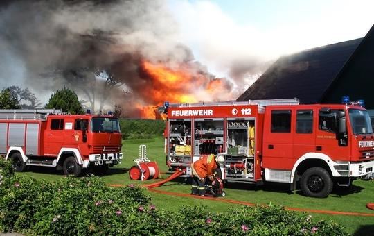 Freiwillige im Feuerwehreinsatz