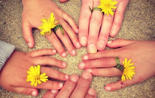 Der Familienbund gibt Tipps für den Familienalltag in Coronazeiten.