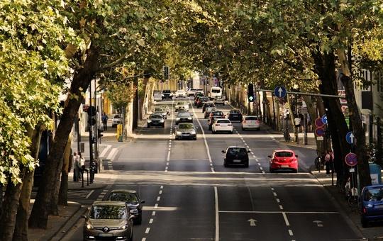 Viel befahrene Straße