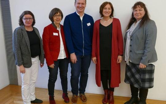 Von links nach rechts: Diözesanreferentin Roswitha Schuhmann, Cornelia Weiser, Markus Fastenmeier, Ingrid Schreiner und Gesamtsprecherin Simone Dempewolf