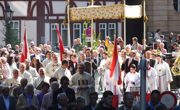 Fronleichnamsprozession in Aschaffenburg