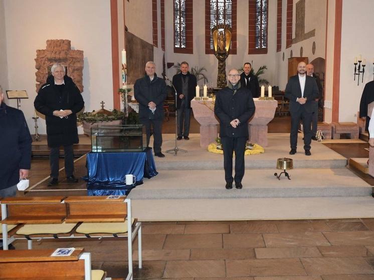 Kandidaten für die Diakon Weihe in der Wallfahrtskirche in Retzbach.