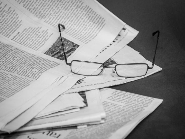 Zeitung lesen am Morgen