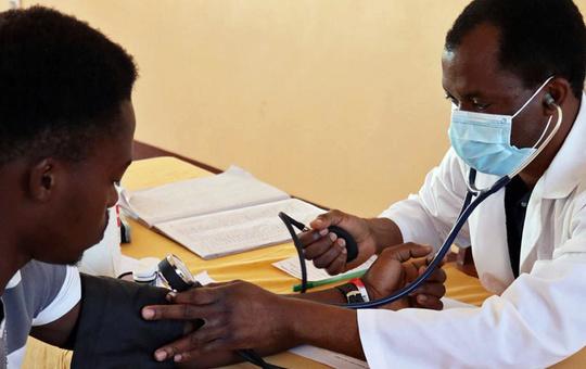 Mobile ärztliche Hilfe in Mbinga