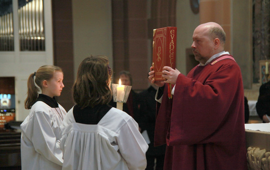 Diakon feiert Gottesdienst