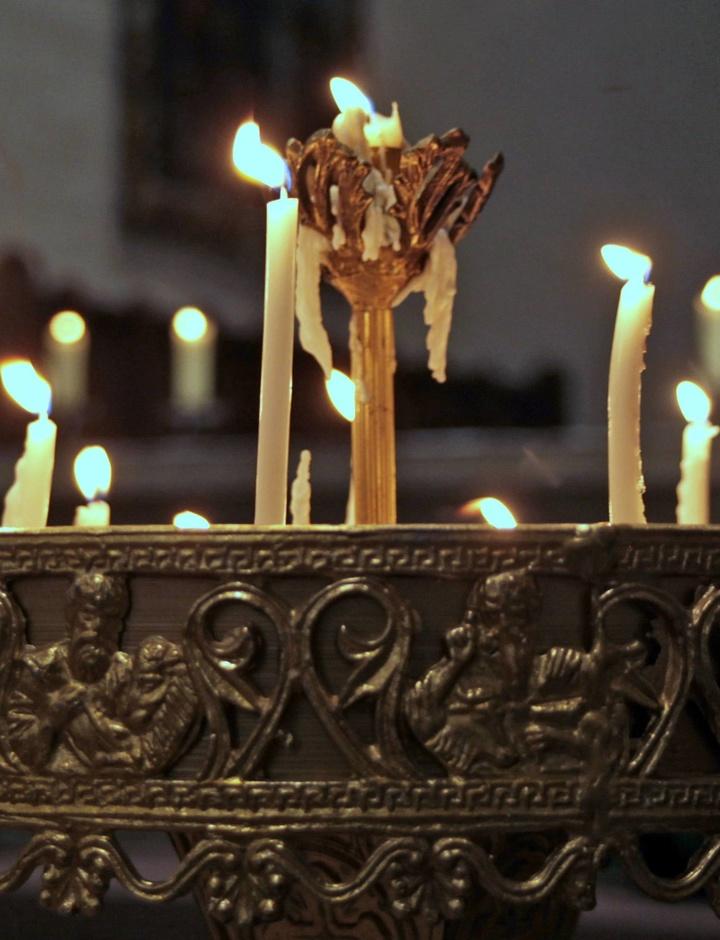 Kerzen brennen zu Mariä Lichtmess