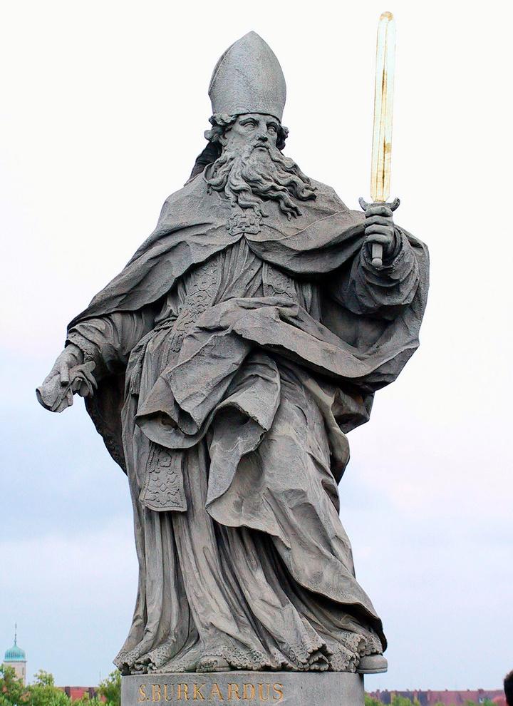Der heilige Burkard war der erste Bischof von Würzburg.