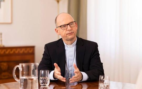 Bischof Franz im Gespräch