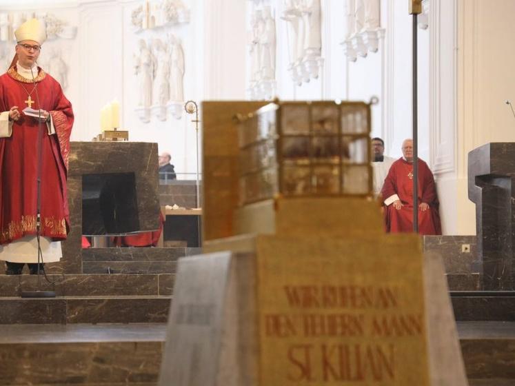 Bischof Franz hat mit einem Pontifikalgottesdienst die Kiliani-Wallfahrtswoche 2020 im Würzburger Kiliansdom eröffnet.
