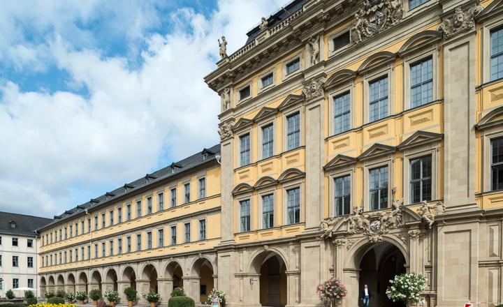 Das Juliusspital in Würzburg. Stifter des Krankenhauses war Fürstbischof Julius Echter.