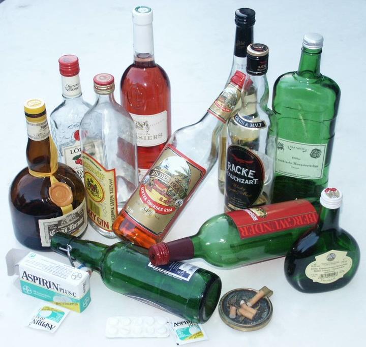 Alkohol, Medikamente, Zigaretten