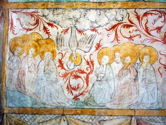 Der Heilige Geist kommt an Pfingsten über die versammelten Jünger. Fresko aus dem 15. Jahrhundert, alte Sakristei der Pfarrkirche Johannes der Täufer in Bad Neustadt-Brendlorenzen.