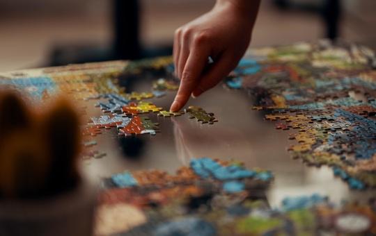 Ein Puzzle zusammensetzen baut Stress ab