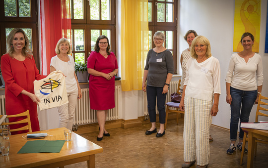 Staatssekretärin Anna Stolz besucht IN VIA Haus St. Lioba