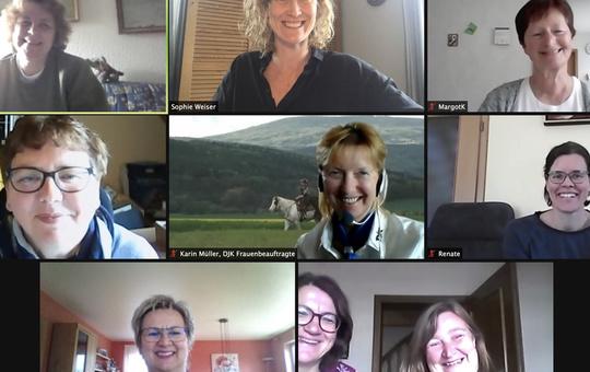 Teilnehmerinnen des Online Seminars über Achtsamkeit.