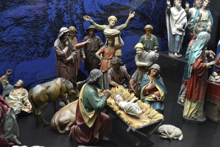 Eine Sonderausstellung im Museum am Dom zeigt Krippen aus fränkischen Klöstern.