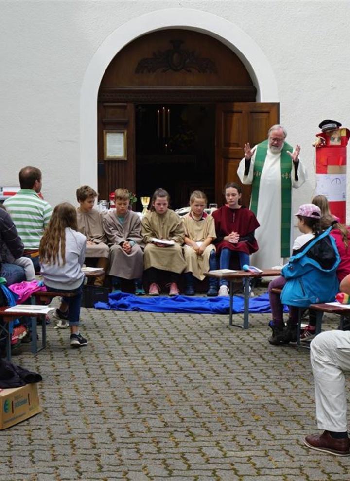 Gespieltes Evangelium bei einem Gottesdienst der Schönstatt-Bewegung.