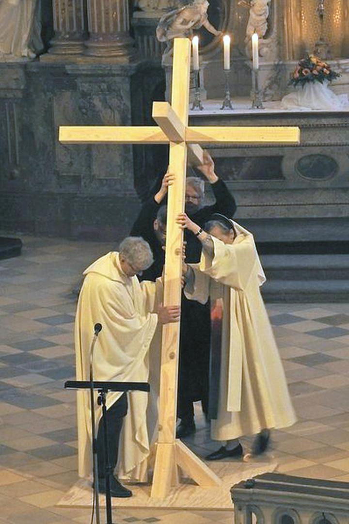 Katholische Ordensleute und Mitglieder evangelischer Kommunitäten gedenken gemeinsam 500 Jahre Reformation.