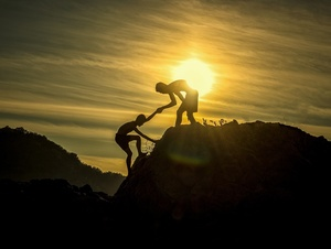Klettern und Helfen