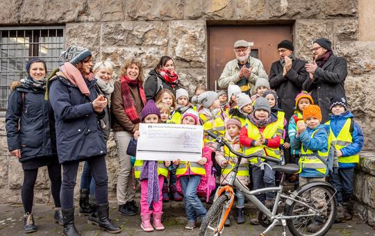Kindergarten Am Marienheim in Rottendorf spendet 500 Euro für Asylbewerber